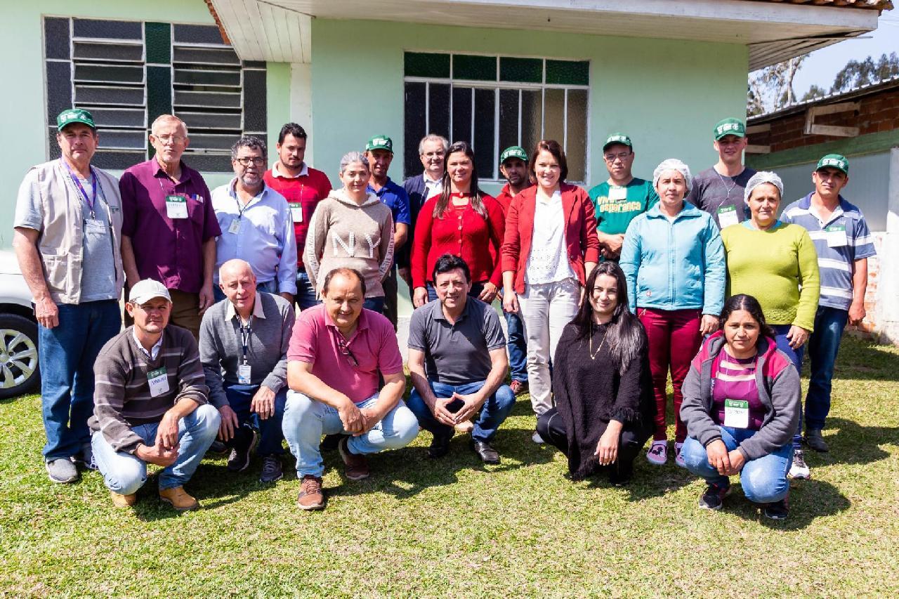 Agricultores de Piên realizam curso de apicultura