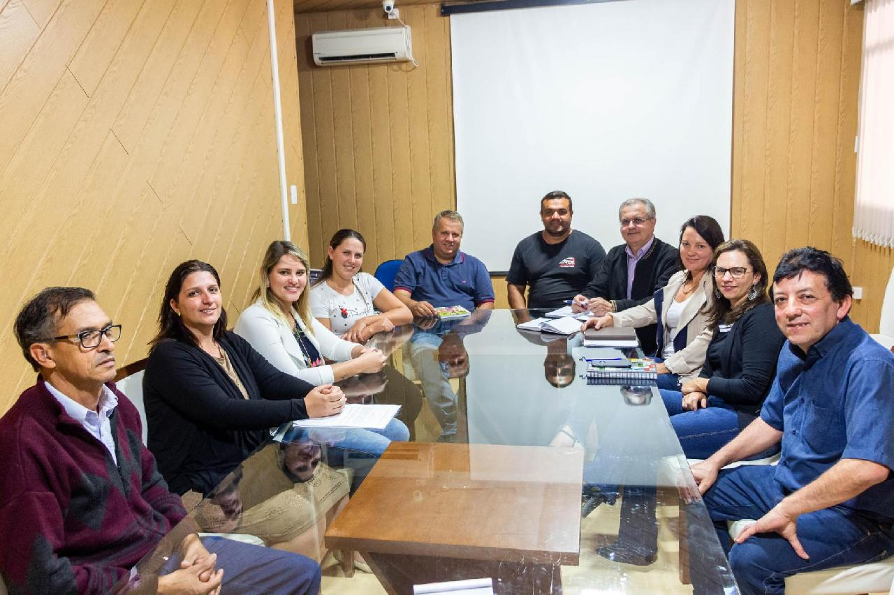 Grupo de pais se mobilizam para criar Associação de Amigos do Autista (AMA) em Piên