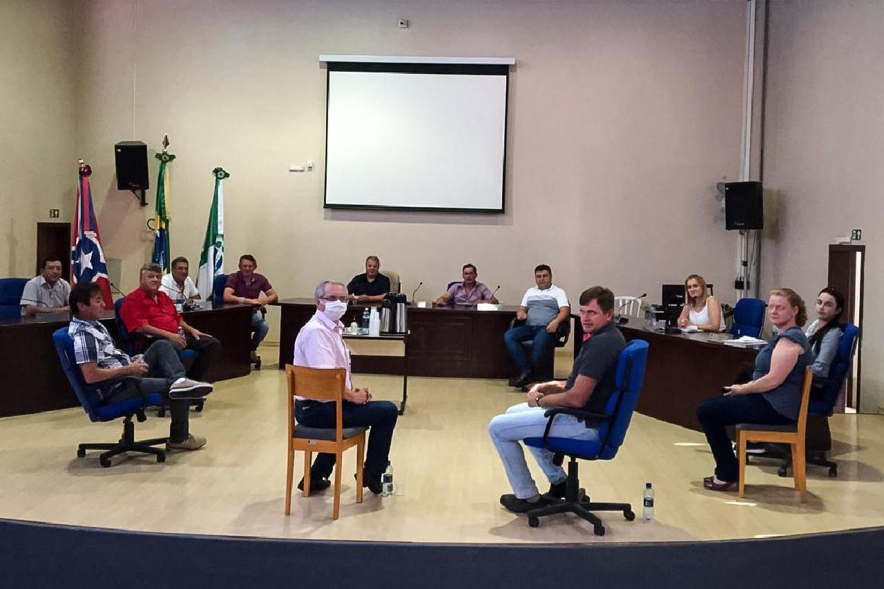 Reposição salarial é discutida entre Executivo e Legislativo